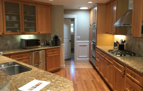 BEFORE: CRAMPED,AWKWARD KITCHEN LAYOUT WITH INSUFFICIENT SPACE FOR ENTERTAINING