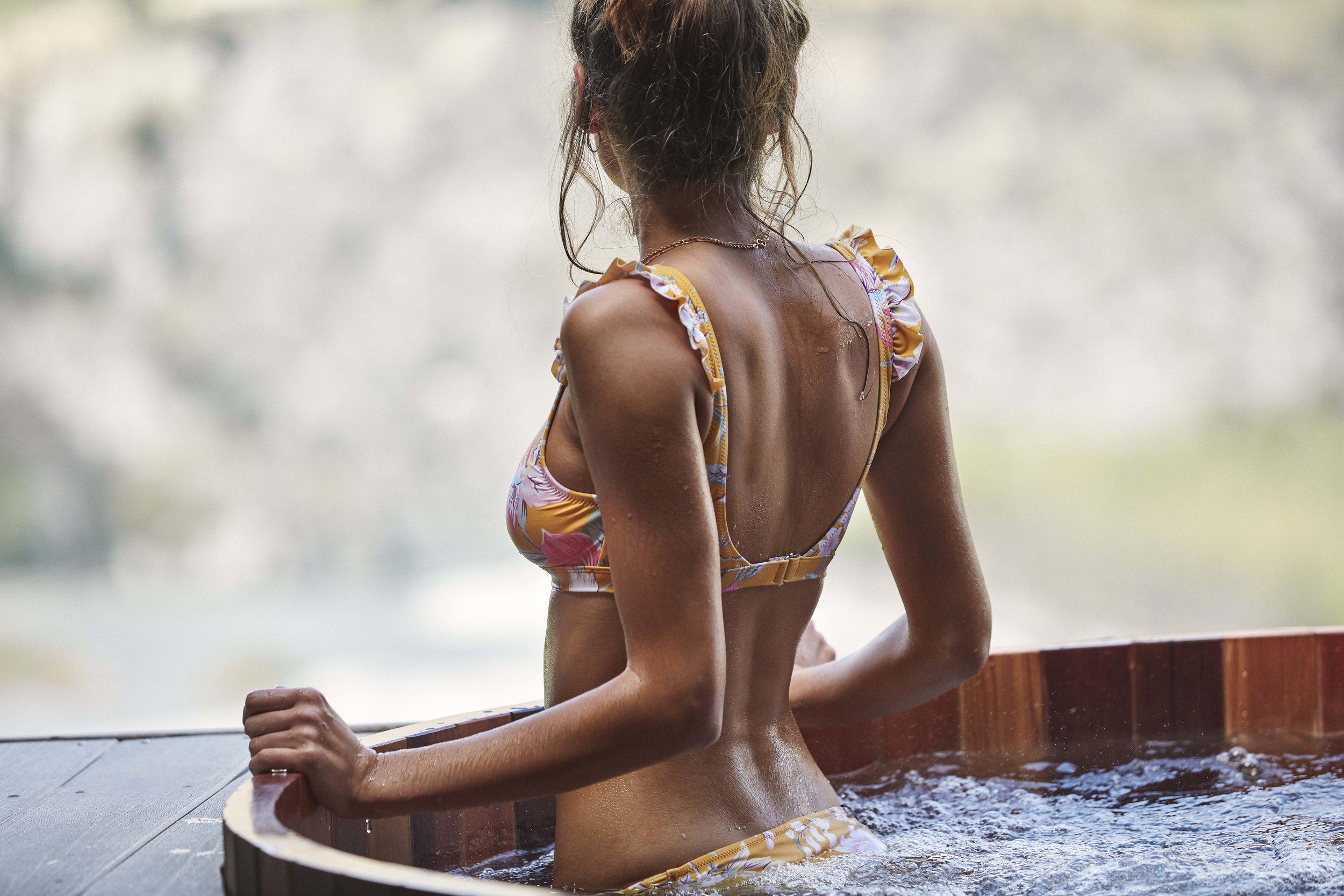 Aruba Scoop Top and Tropic Pant 7.jpg