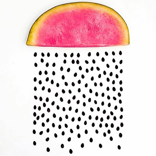 This LA rain has me dreaming of ☀️ sunny days and 🔥 hot summer nights....and dreamy, juicy watermelon 🍉 ⭐━━━━━━━━━━━━━ My favorite way to eat (or shall I say drink) watermelon is to juice watermelon 🍉 , beets + a squeeze of lime 💚. The BEST! ☆ ⭐━━━━━━━━━━━━━ Watermelon contains lots of water and a small amount of fiber ☆ both of which are important for healthy digestion ☆ ⭐━━━━━━━━━━━━━ Raw beets contain natural nitrates (not the kind in meats) which turn into nitric oxide in the body and dilates blood vessels.  This increases blood flow in the body which creates more energy, nutrients and oxygen into the cells...the more energy in the cells, the better you feel ☆ ⭐━━━━━━━━━━━━━ Not only do limes 💚 cut the sweet flavor of this juice but they aid digestion as well ☆ ⭐━━━━━━━━━━━━━ Ok.  Now I'm officially ready for summer.  How many more months?? What's your favorite summer drink and where do you like to drink it? ☆ ⭐━━━━━━━━━━━━━ xx SarahCat 💋