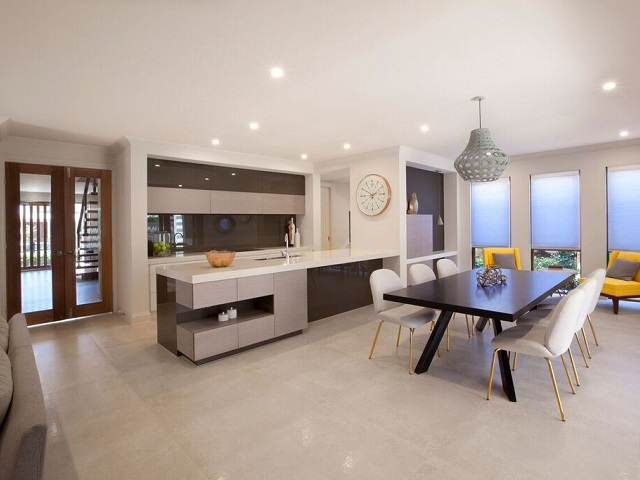Dechellis Homes Kitchen.jpg