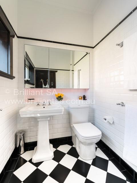 tile floor designs for small bathrooms.jpg