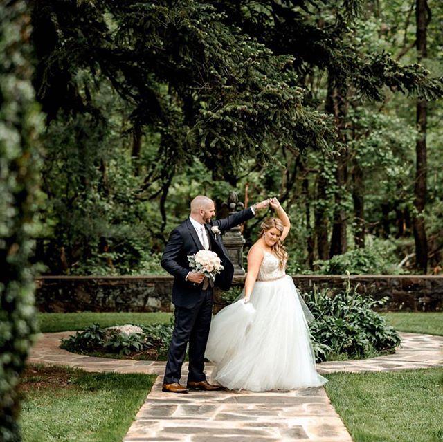 Dancing into Monday!. . . . 📸: @1001angles . #monicalynneevents #mleevents #loudounweddings #loudounevents #northernvaevents #northernvaweddings #dmvevents #dmvweddings #weddings #eventplanner #weddingplanner #dcweddings #dcevents #dceventplanner #dcweddingplanner