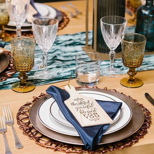 I've been all over the place with exciting adventures in design and creating new backdrops that have brought Uncommonly Styled closer to what I've dreamt of faster than I could have ever imagined... but this time of year I'm thrilled to get back to my roots a bit and make your holiday gatherings both beautiful and stress-free!  Uncommonly Styled Thanksgiving tablescape designs will officially launch THIS SUNDAY evening and I cannot wait!! Snag your complete tablescape delivered right to your door and enjoy a bit of extra time with your family this year! 😘  You can see this particular tablescape in person now at @aclassicpartyrental as part of our seasonal showroom design! Thank you to a stellar team that helped bring this project to life! 📸 @stacyablephotography  @aclassicpartyrental  @bluellamaevents  @pickleprintsinvitations  @classiccakescarmel  @nicoleblairwear  @clarkvideography  Bring on the holidays!!!