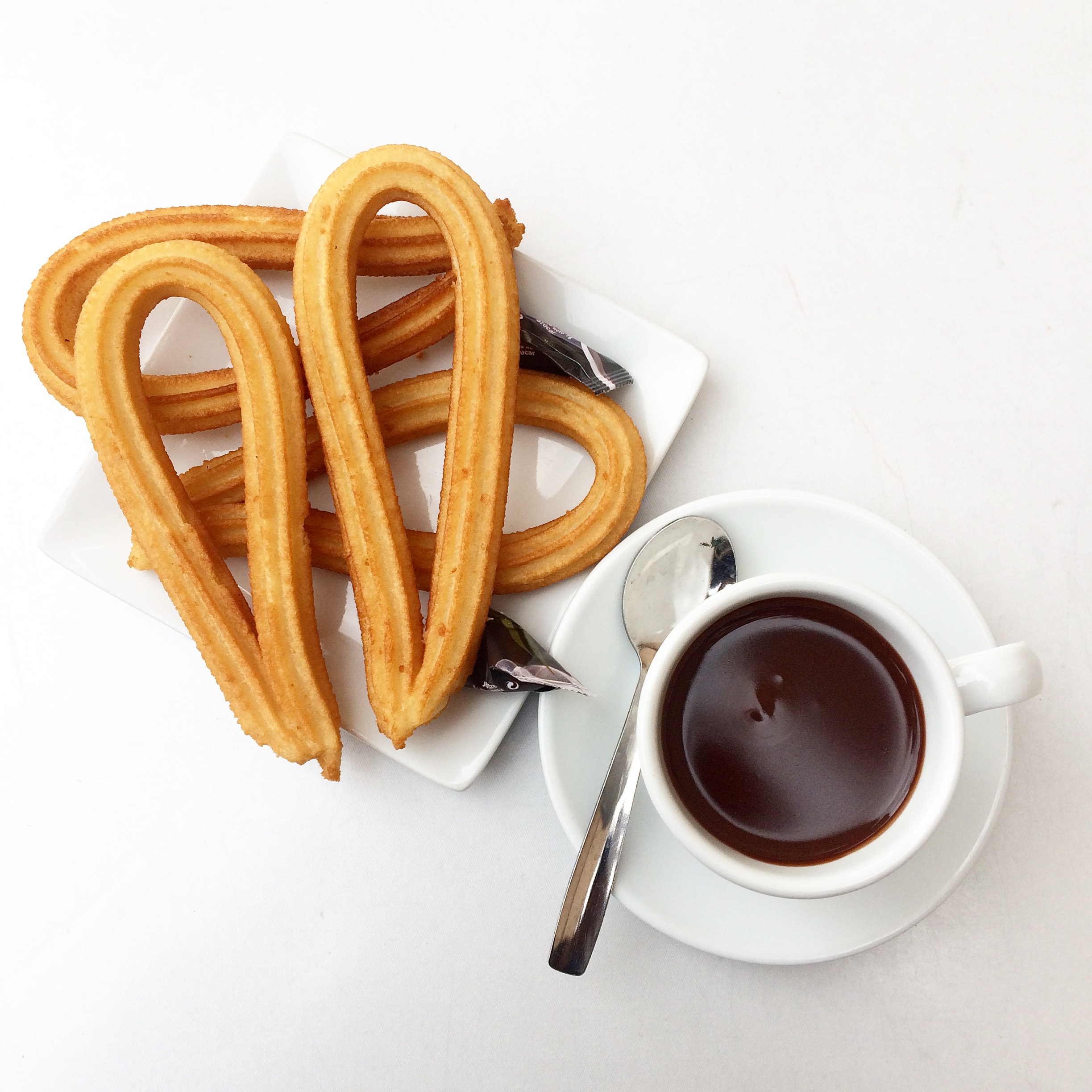 dayka-robinson-blog-churros-y-chocolate-madrid-spain-europe-solo-travel-black-woman-october-2016