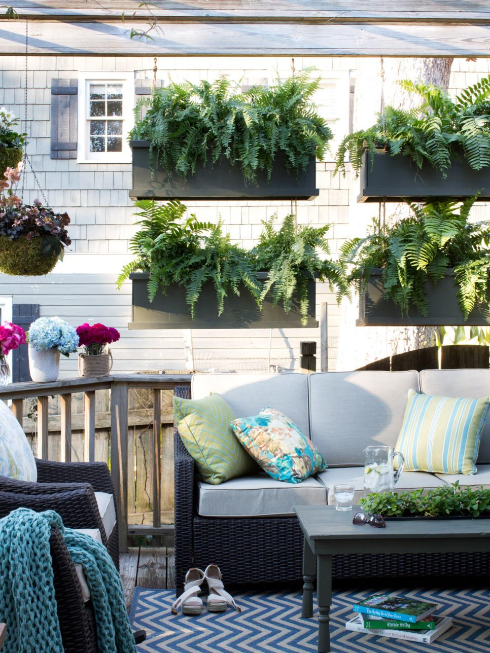 outdoor living space hgtv spring house 2014 .jpeg
