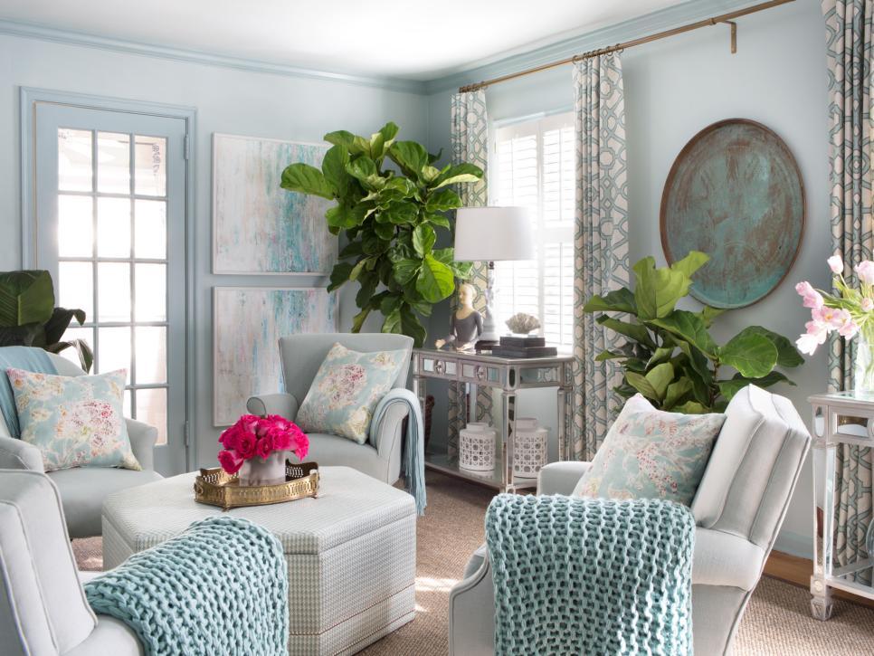Living Room HGTV SPring House 2014.jpeg