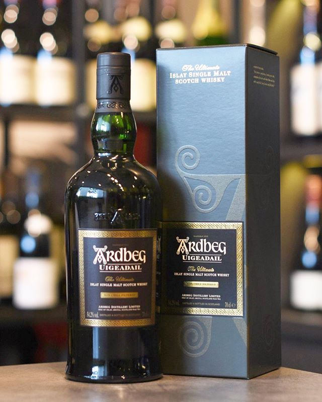 This stunning bottle reigning from Islay's Ardbeg distillery is the perfect combination of sweet and savoury notes. Some even say it's like when you mix sweet popcorn and salty popcorn together- spectacular. Get yours today at The Moomba! #singlemalt #malt #italy #alcoholic #singlecast #drinkstime #malt #sgonlineshop #drinkstime #whiskylover #whiskytime #scotch #singlemalt #drink #dry #rich #southern #singlemaltwhisky #sgwhisky