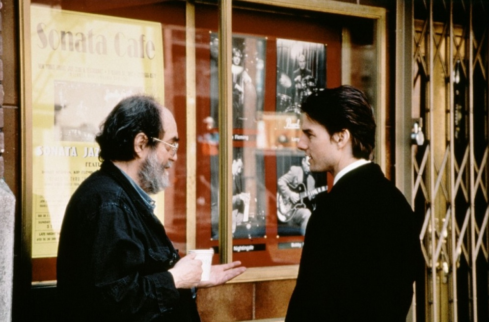 stanley-kubrick-directs-tom-cruise.jpg