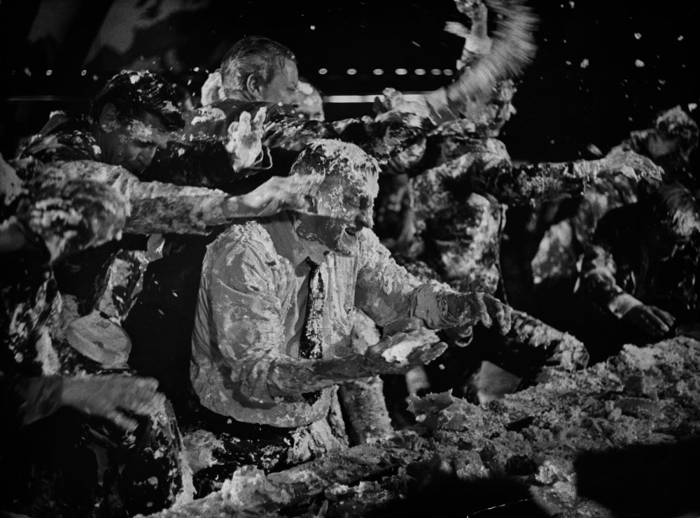 dr-strangelove-1963-024-custard-pie-fight-00n-6w7.jpg