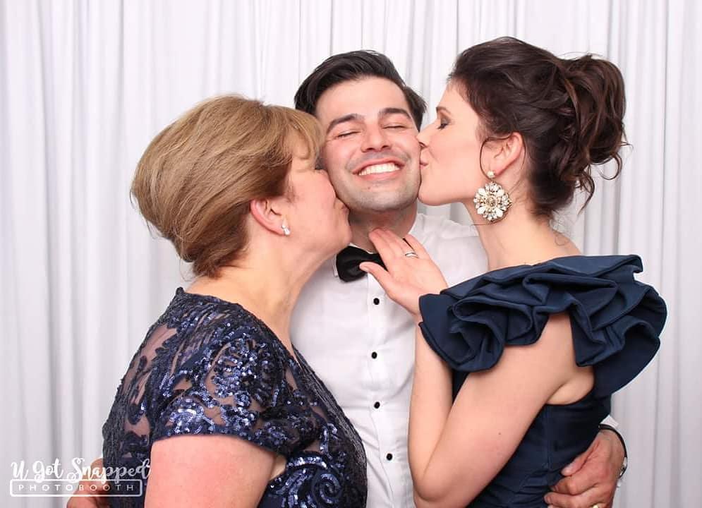 wedding-entertainment-photobooth 2.jpg