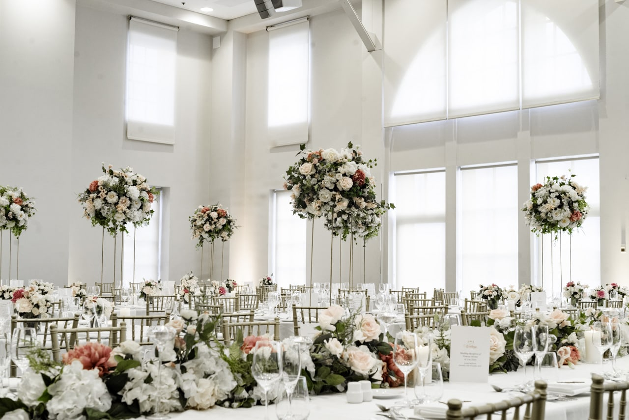 35_vanessa-lou_25_luna-park-wedding-venue.jpg