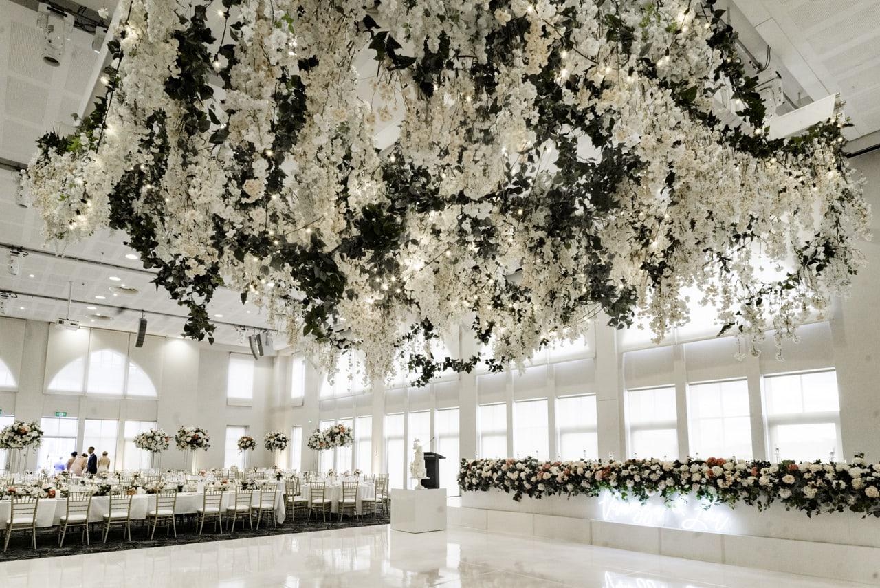 35_vanessa-lou_33_luna-park-wedding-venue.jpg