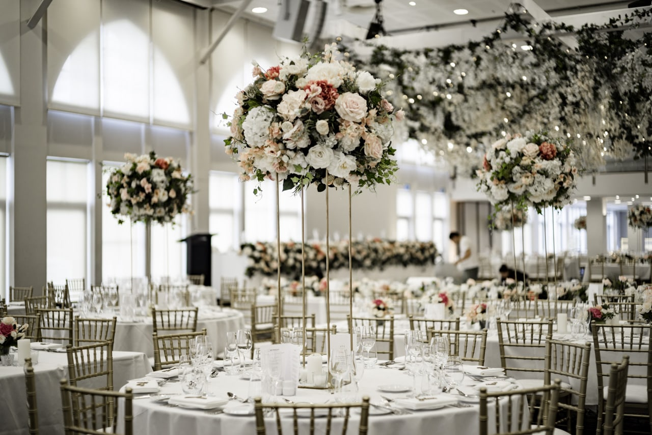 35_vanessa-lou_17_luna-park-wedding-venue.jpg
