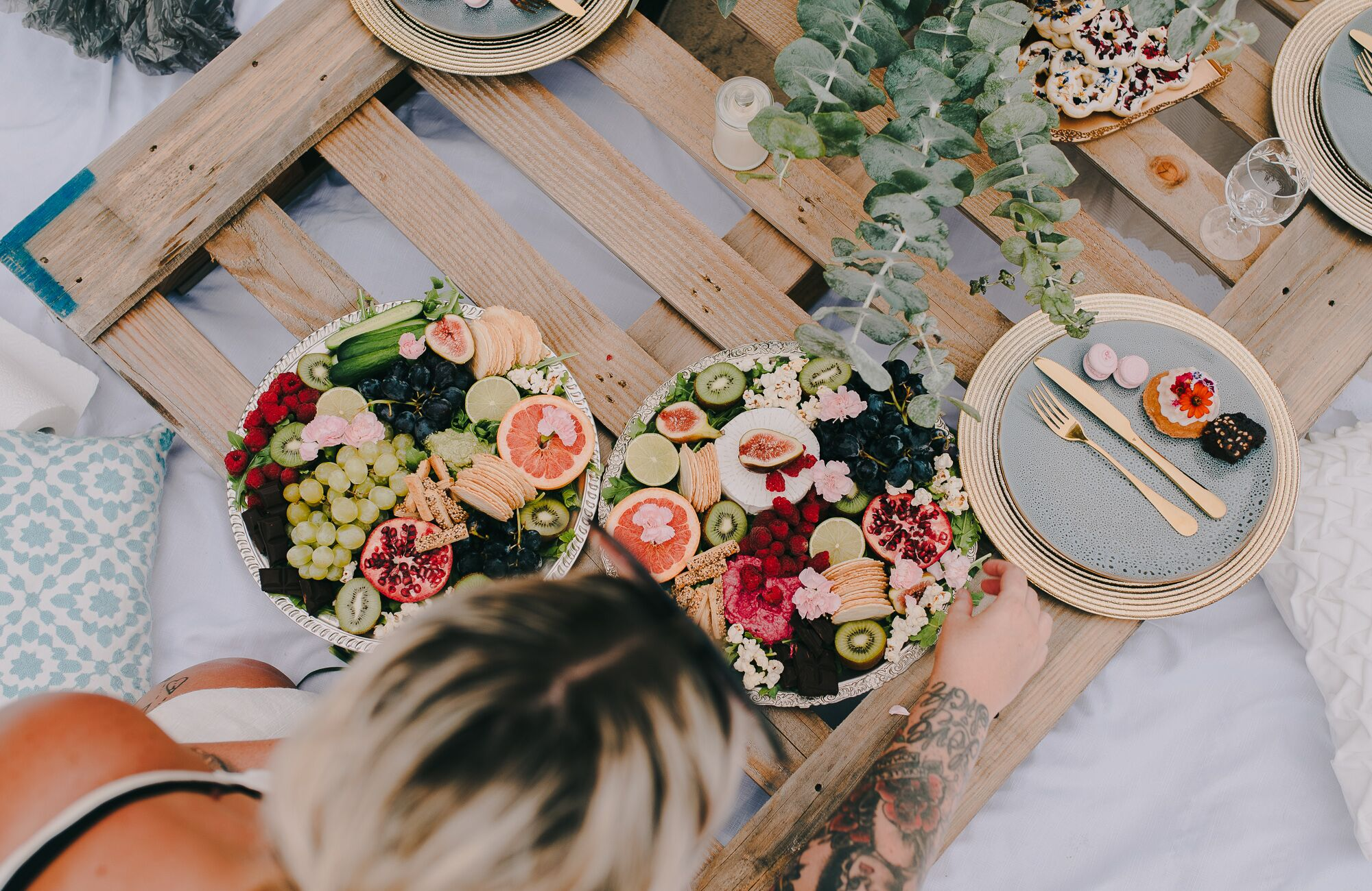 Who is Scheer Delight Platters? - Hey, I'm Michelle, and I love food! After relocating to the Gold Coast from Adelaide, I found myself creating colourful platters and picnics to enjoy with my girlfriends by the beach most weekends. So here I am, creating them for you, and others.