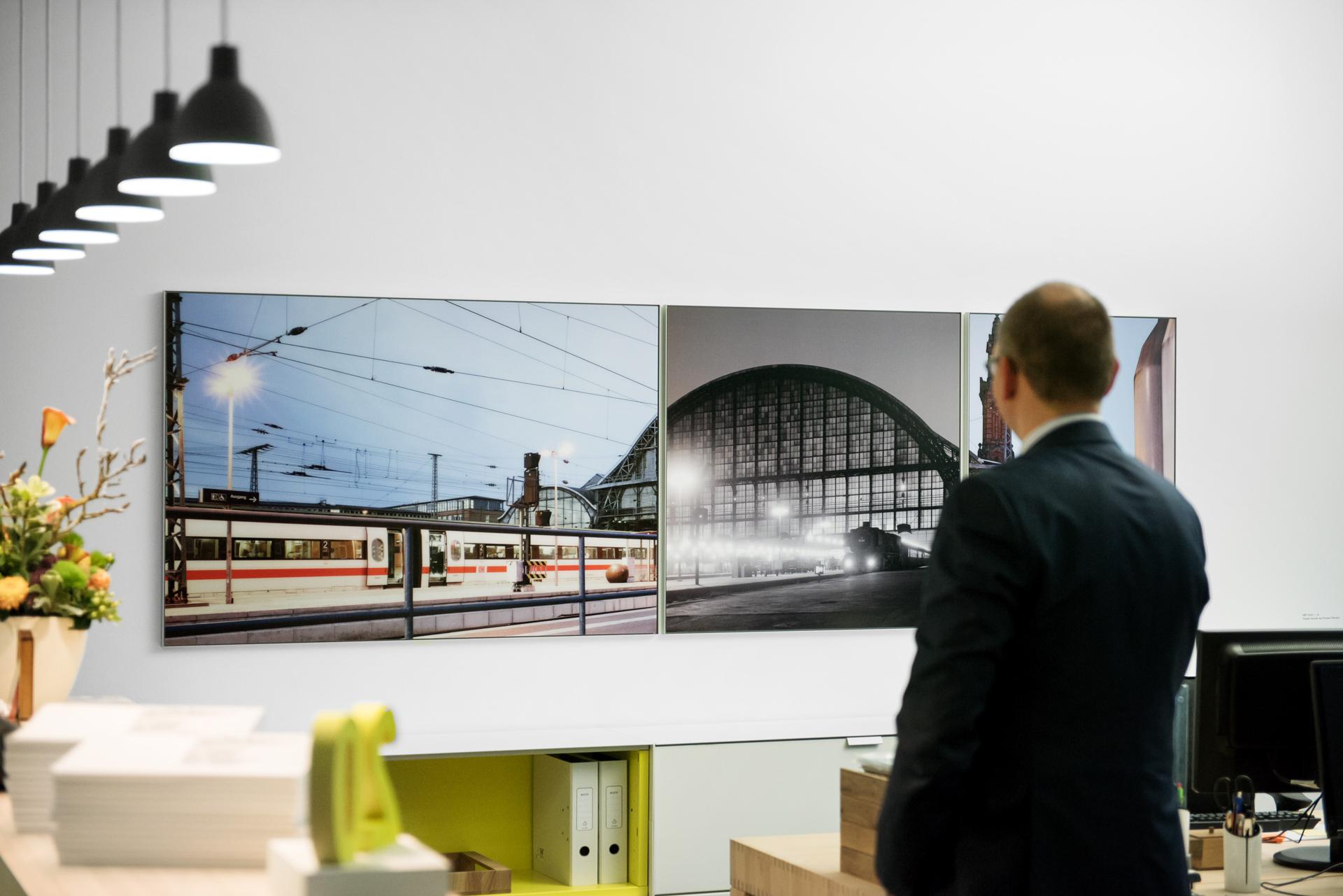 Caspar Sessler Arbeit »HBF 5615, I, II & III« in den Räumen der Bremer Kanzlei BBG + Partner
