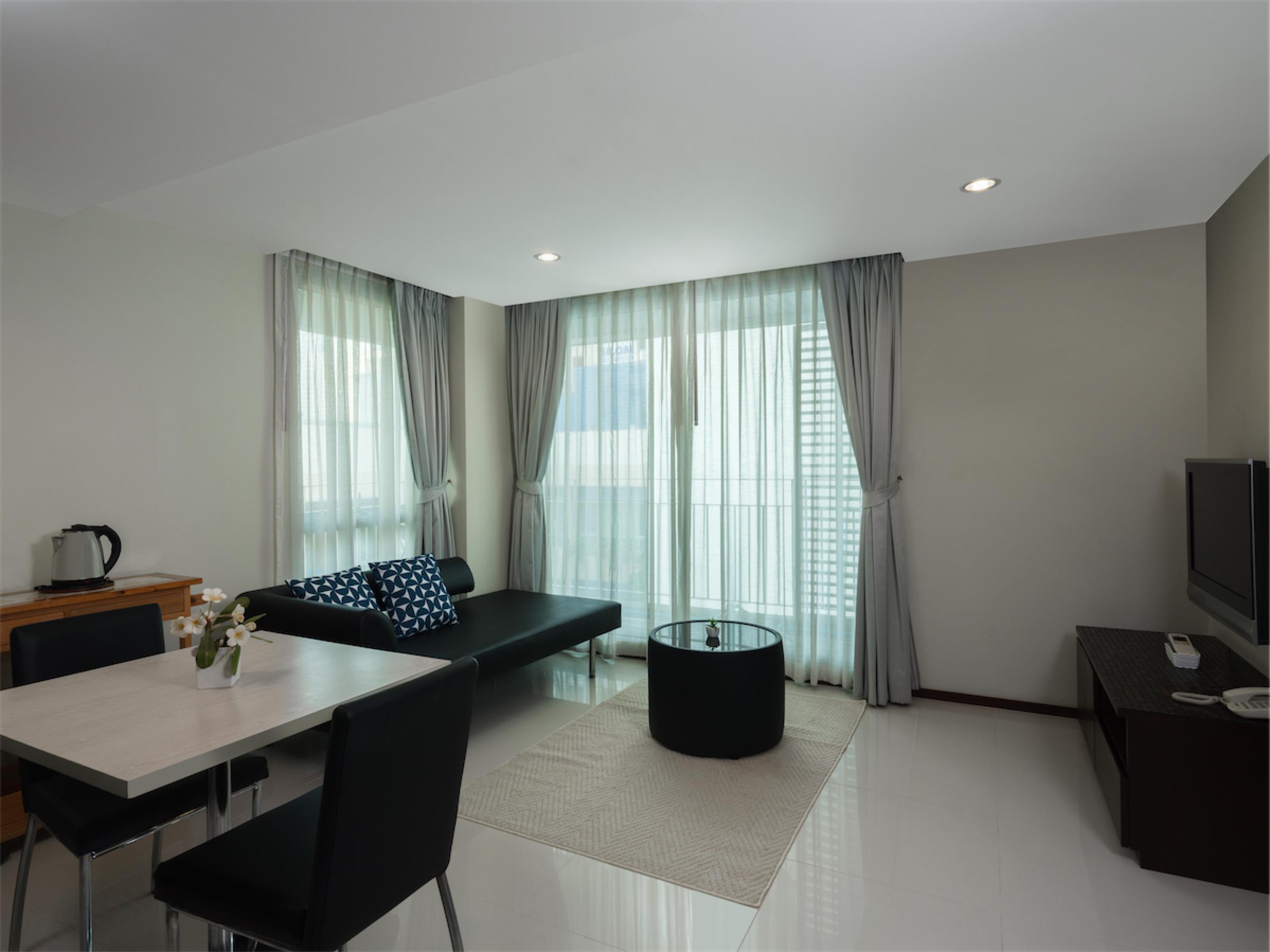 Room 601-006-Edit.jpg