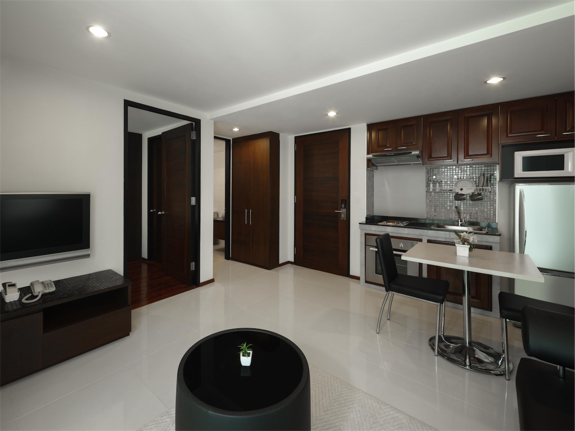 Room 601-025.jpg