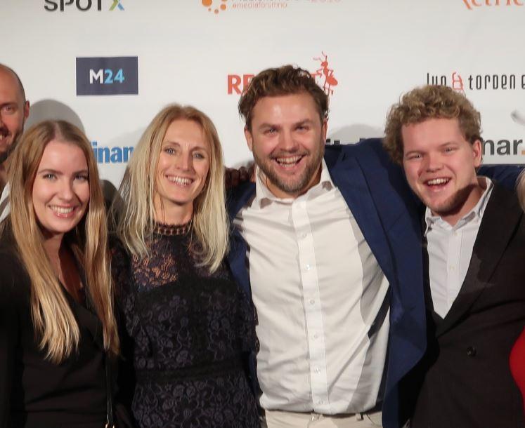 Fra venstre: Martine Nerland (Wavemaker), Wenche Selbo (kundeansvarlig for Grønt Punkt i Hegnar Media), Richard Kristoffersen (leder av Hegnar Brand Studio) og konfransier for Medieprisen 2018 Jon Trygve Hegnar.