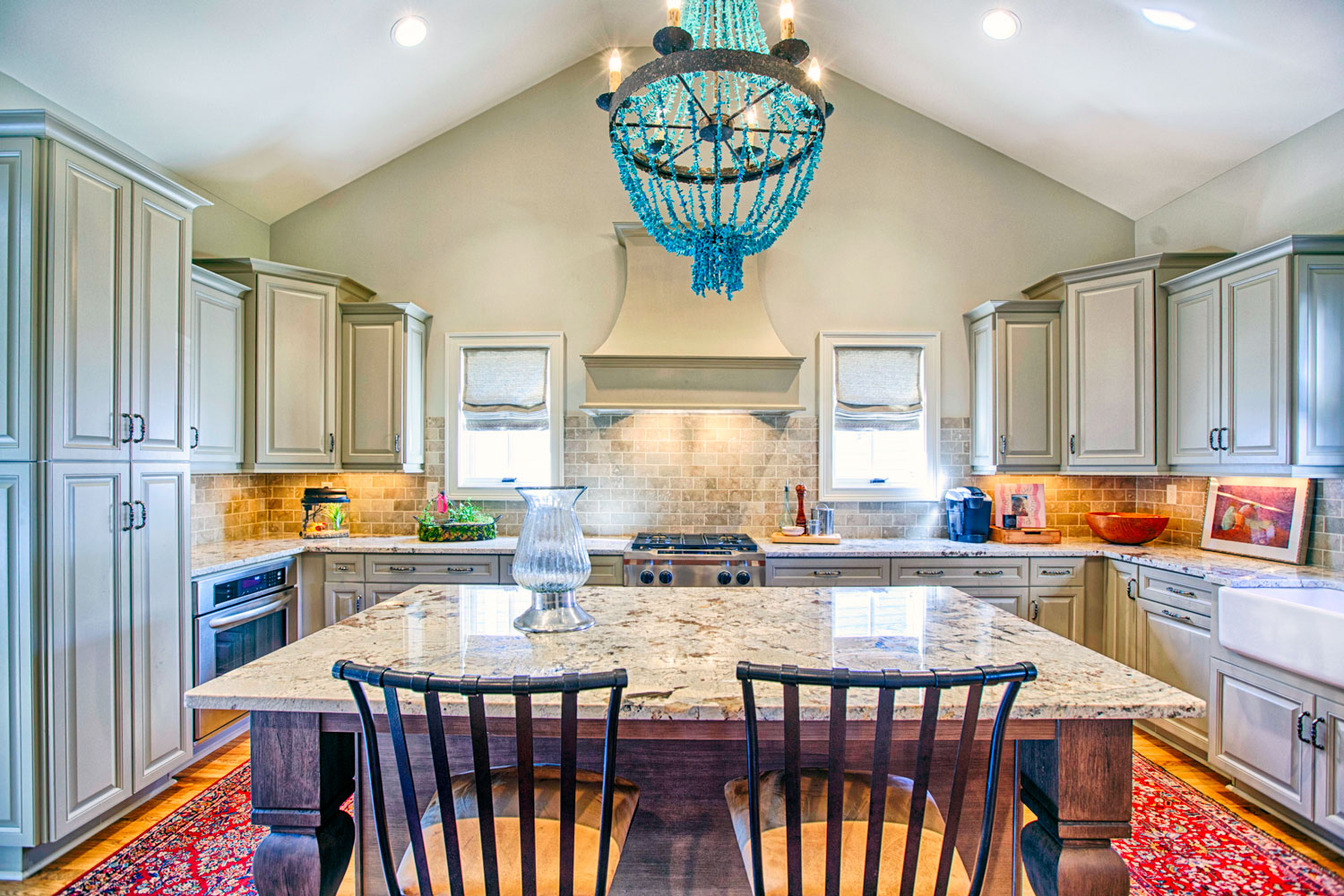 How to choose a cahandelier for a dining room