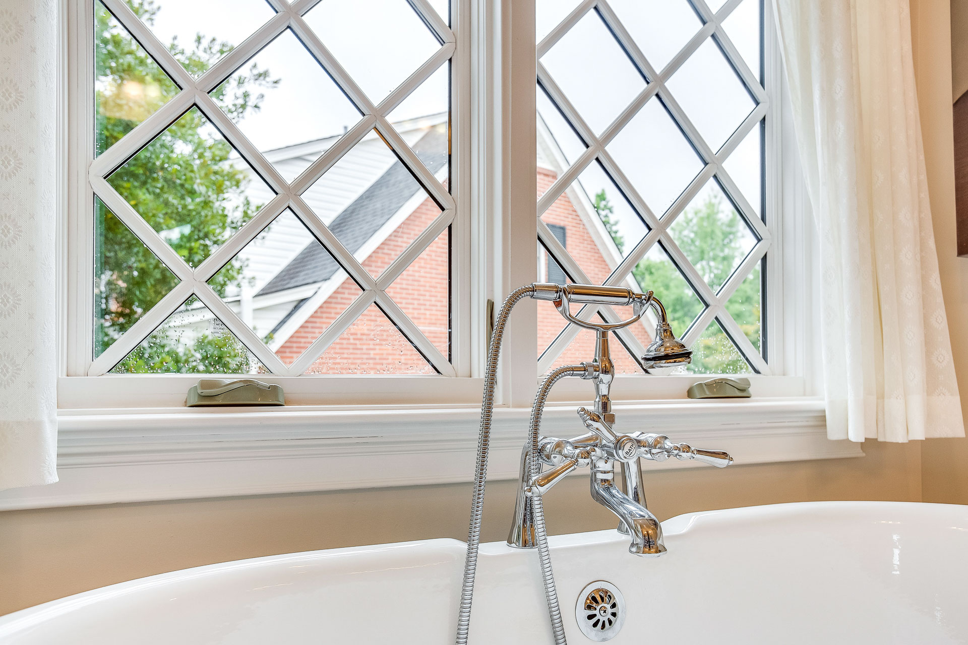 A Delta Cassidy tub filler was used for the soaking tub.