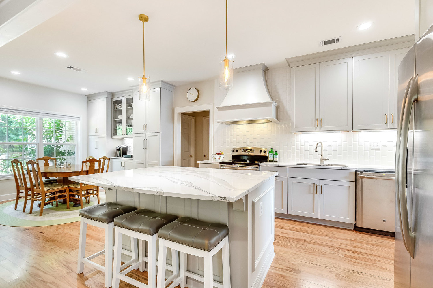 The Cost of Remodeling A Large Kitchen in Tuscaloosa Alabama