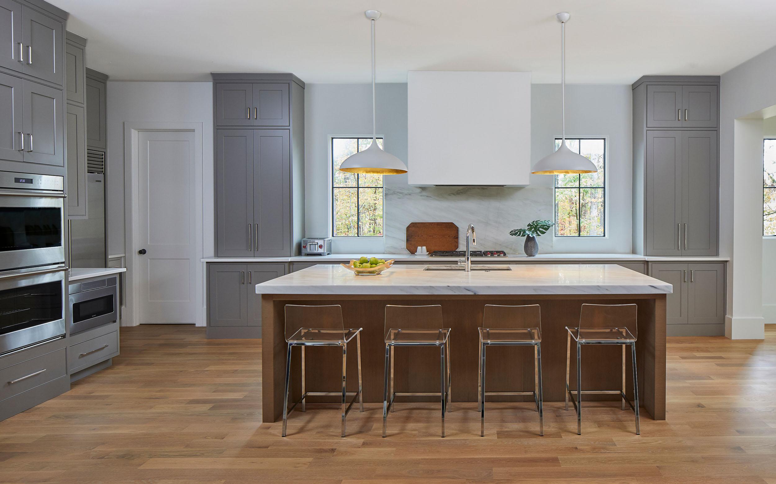 Reconstituted Oak Veneer Kitchen Island Cabinetry