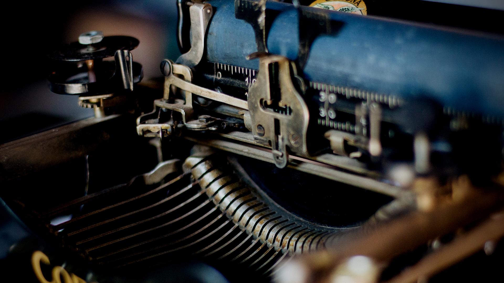 Archetypal Feng Shui MoravenaLifestyle.com _typewriter
