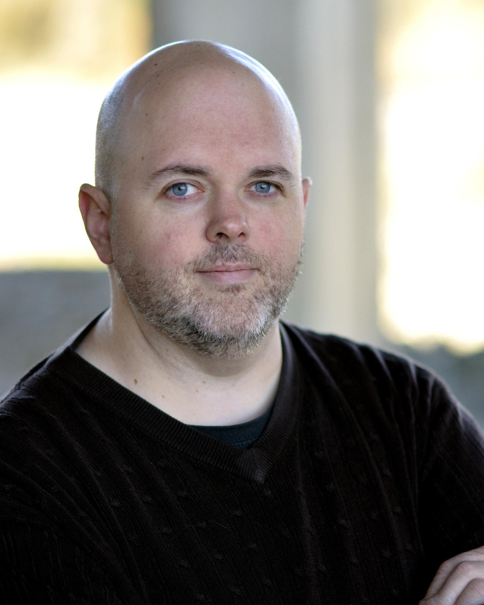 Dan Headshot final.jpg