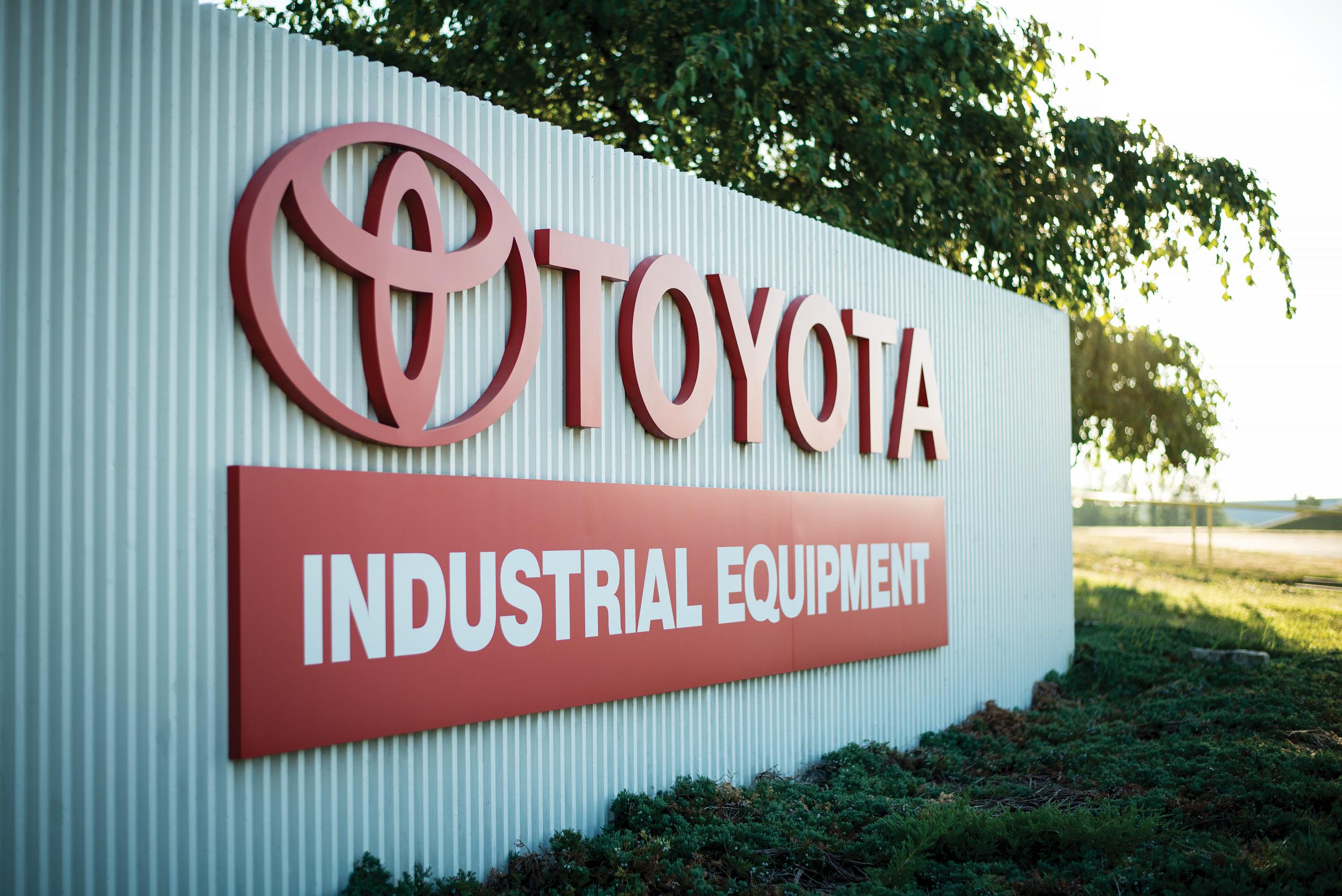 2016–Toyota_Plant–01340.jpg