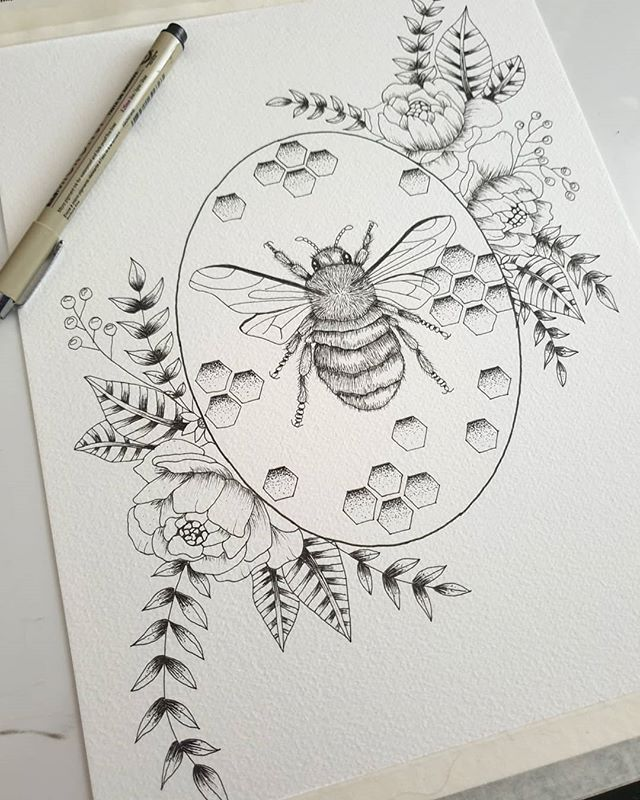Happy Saturday! And happy bank holiday in the UK !! Having finished inking this piece today, will be adding watercolour next :) .#bankholiday #saturday #saturdayfeeling #ink #watercolor #bee #beeillustration #nature #natureillustration #naturalhistory #freelanceartists #kerrylouisearts #flowers #honeycomb #honey #botanicalillustrations