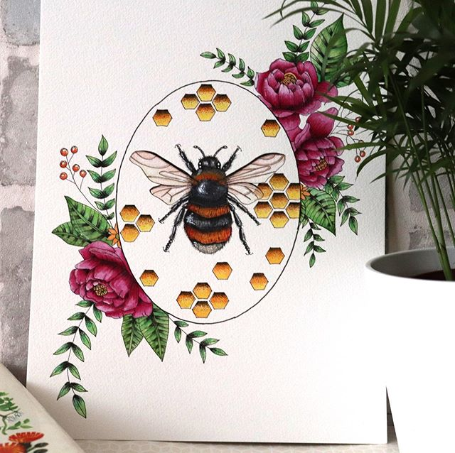 Finished bee 🐝 created with watercolour and ink. #illustration #botanicalart #bees #botanicalillustration #kerrylouisearts #floral #freelanceillustrator #nature #naturelovers #watercolor #ink