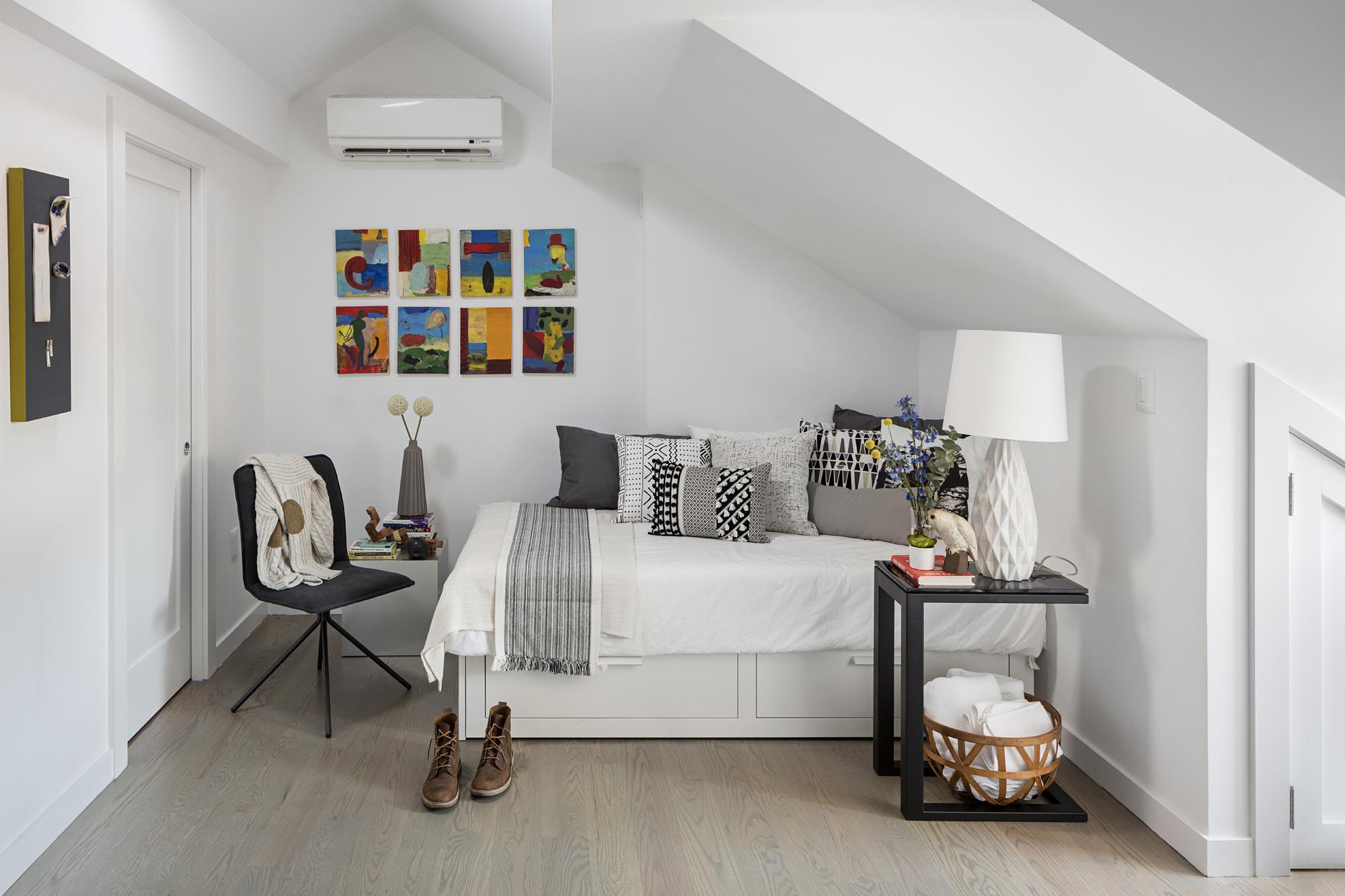 Bedroom Top 03(1).jpg