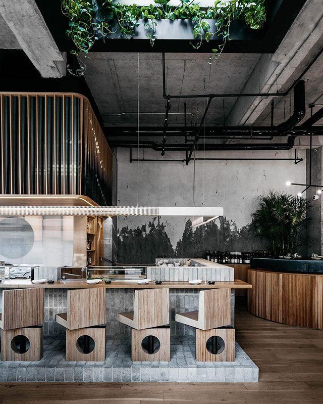 〰️ whattavibe 🍣🥢 // @ryu.sushi interior design by @menarddworkind // #designresearch #hospitalitydesign