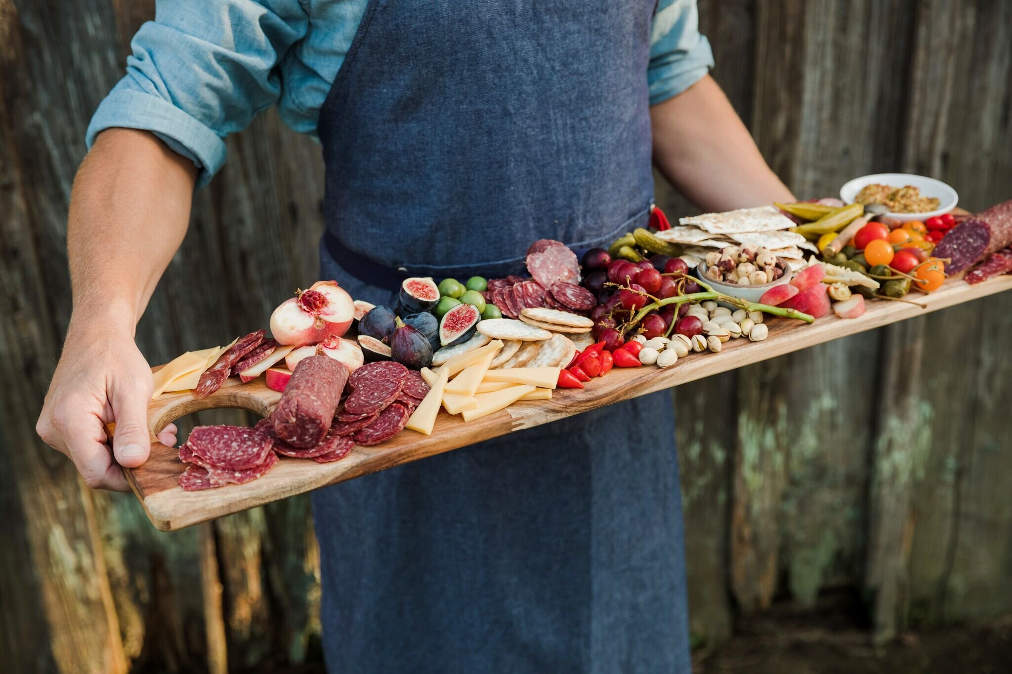 How to create a charcuterie board -
