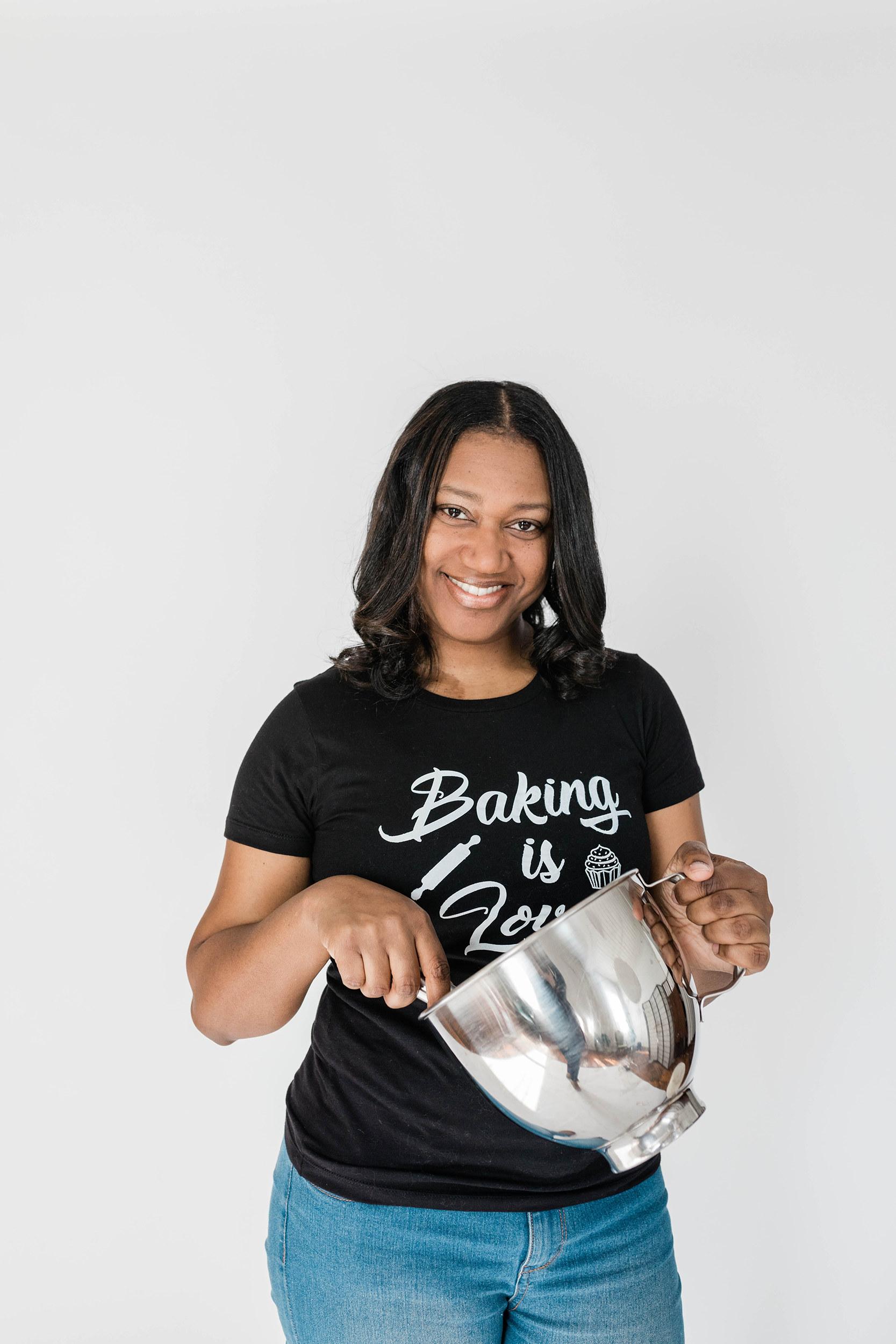 MeetElyse Bordes - Owner/Cake Designer