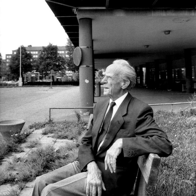 Arkitekt — Nils Ahrbom