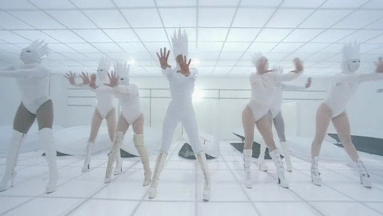 Lady-Gaga-Bad-Romance-Music-Video-Screencaps-lady-gaga-19361861-1248-704.jpg