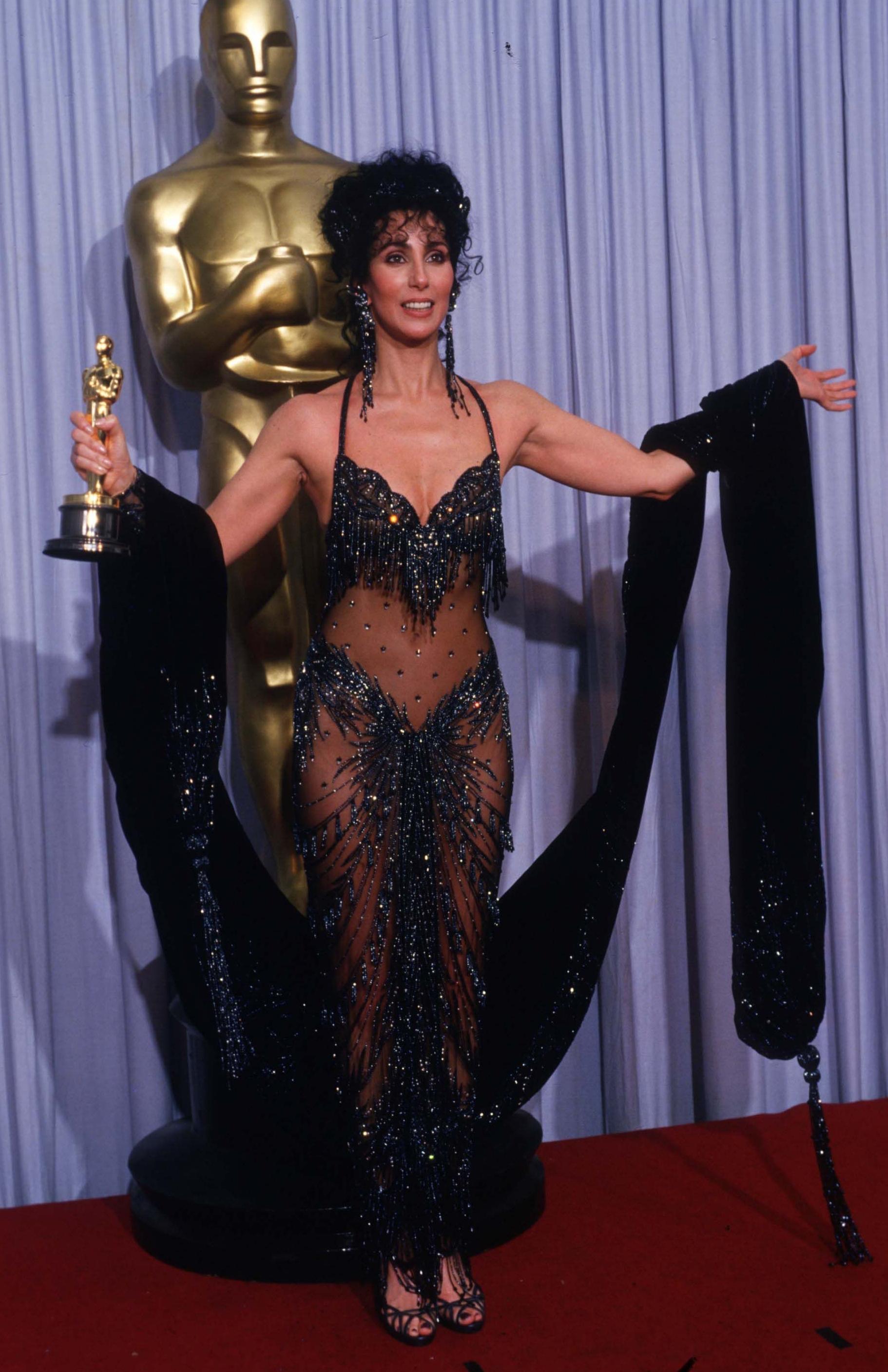 Cher Oscar Moonstruck.jpg