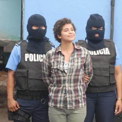 Amaya Coppens. Tiene 23 años. Ella sonríe, mientras es declarada como terrorista por el gobierno de Daniel Ortega. -