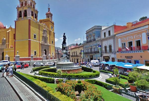 Basílica Colegiata de Nuestra Señora de Guanajuato y Plaza de la Paz. Foto: Turiméxico
