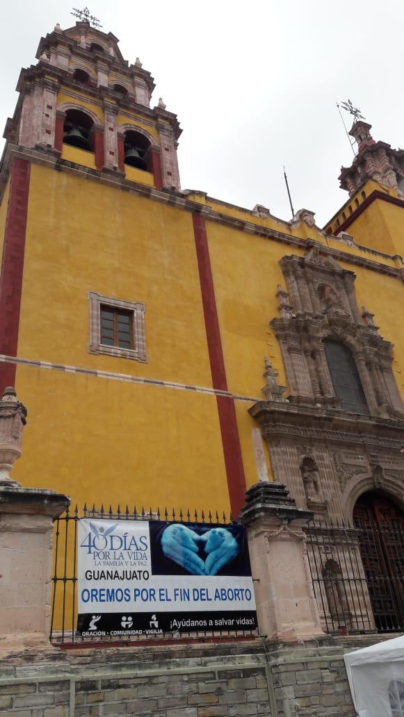 Lado lateral izquierdo de Basílica Colegiata de Nuestra Señora de Guanajuato Capital . 24 de Octubre del 2018