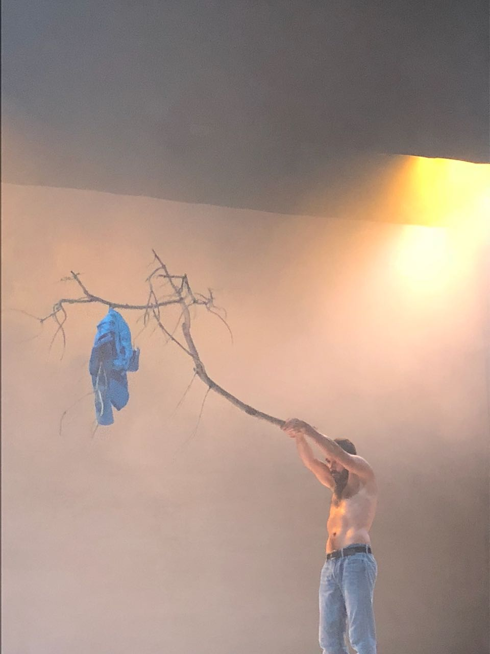 Daniel Abreu ejecutando  Cabeza.  Pieza de su propia autoría en el Festival Internacional Cervantino.