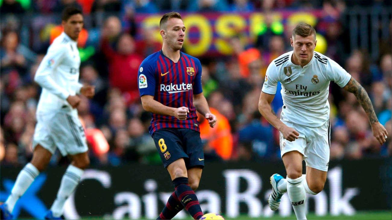 """Arthur """"moviendo los hilos"""" del medio campo del Barcelona. (FOTO VÍA: Rpp)"""