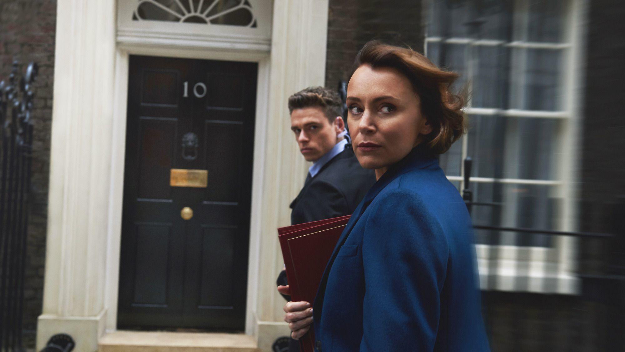 Richard Madden y Keeley Hawes en  Bodyguard  (BBC - Netflix)