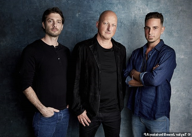 James Safechuck, el director del documental Dan Reed y Wade Robson. Foto: Taylor Jewell/Invision AP