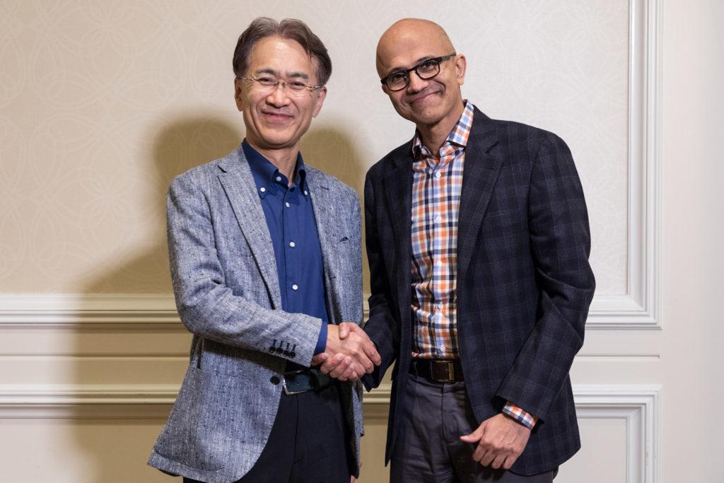 Kenichiro Yoshida, presidente y CEO de Sony Corporation (izquierda), y Satya Nadella, CEO de Microsoft. Imagen: Microsoft