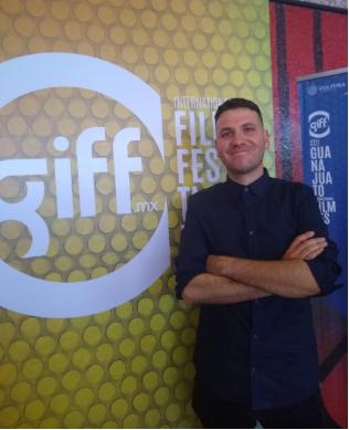 Edgar Nito director de  Huachicolero , en entrevista para Ibero 90.9 durante la edición del GIFF 2019. Foto: Ekatherina Sicardo