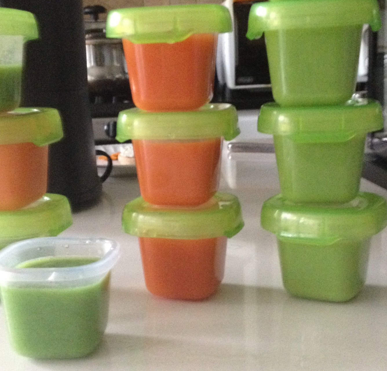 Pre-made baby food for infants (pureed carrot and broccoli)