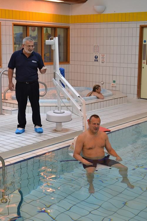 splash-extended-reach-therapy-pool-hoist.jpg
