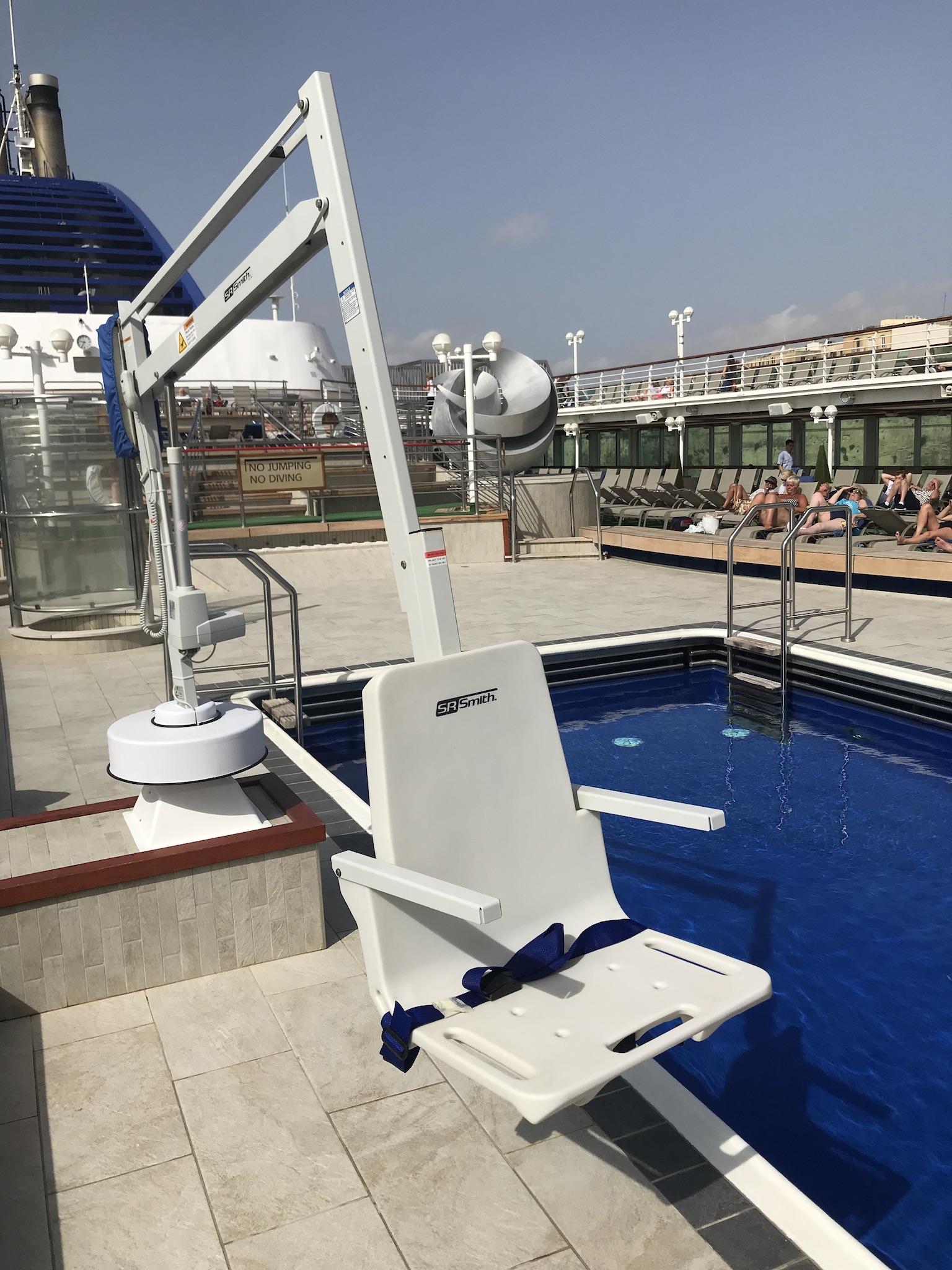 splash-extended-reach-hi-lo-cruise-ship-rmt-pool-access-lifts.jpg